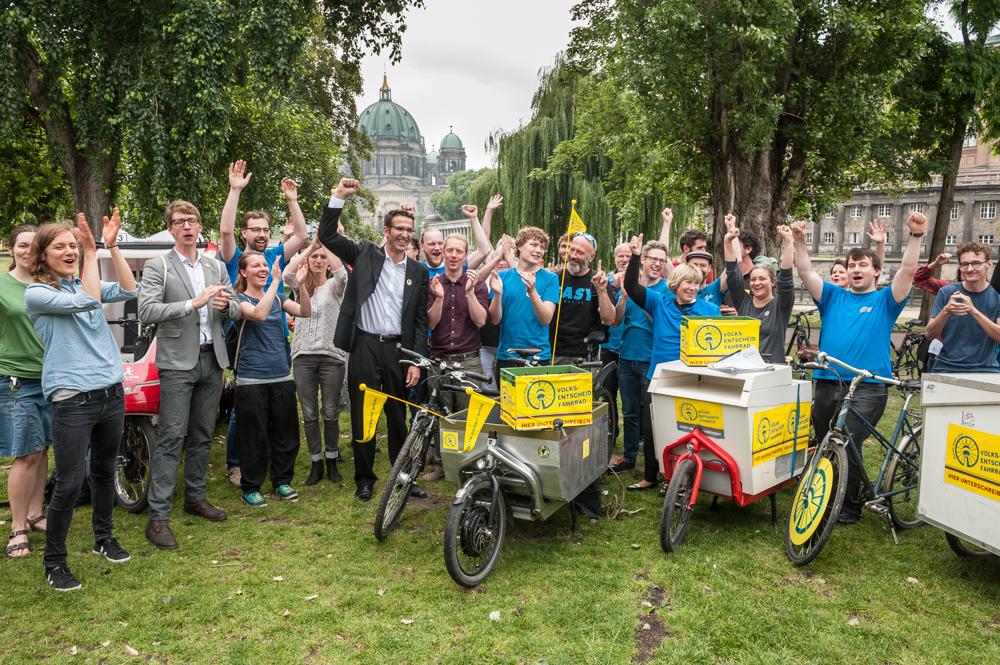 Volksentscheid Fahrrad: die Aktivisten haben in gut drei Wochen ca. 107.000 Unterschriften gesammelt.